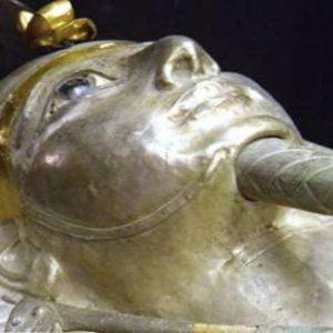 Tajemství Stříbrného faraona (2010)